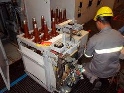 Serviço de manutenção em disjuntores